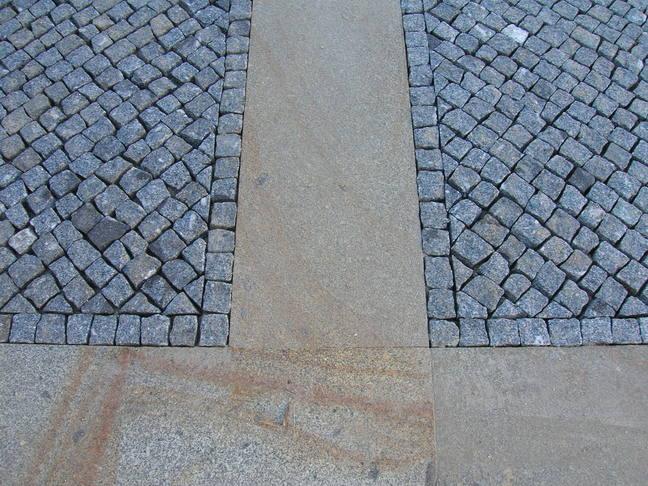Allee pavée granit